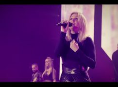 «Something in the way you move» – Αυτό είναι το νέο video clip της Ellie Goulding!